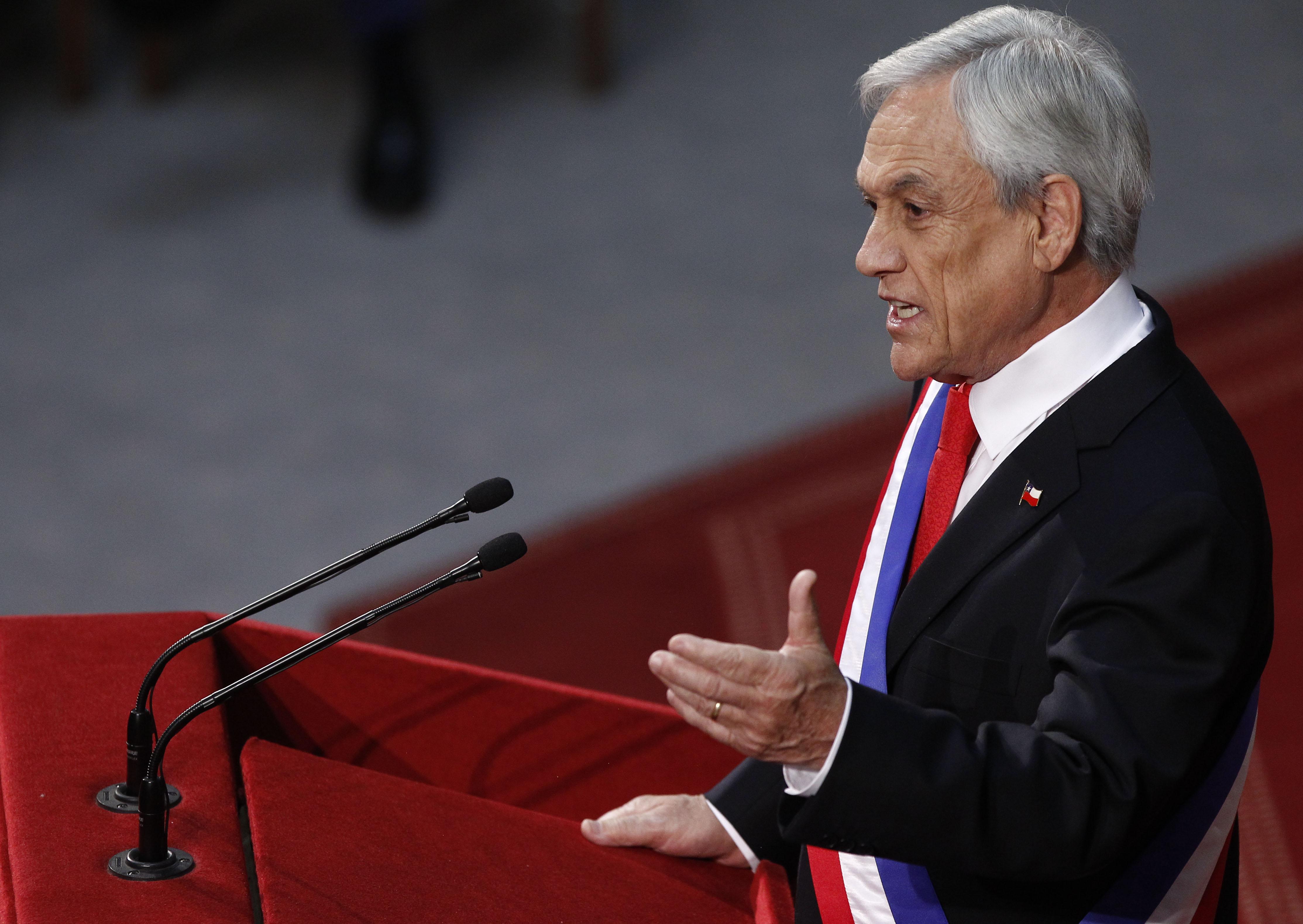 """""""No pasaron agosto: Piñera realiza su primer cambio de gabinete a cinco meses de asumir el mando"""""""
