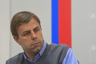 La indignación del alcalde de Puente Alto con el ministro de Hacienda por la falta de financiamiento para el Sótero del Río
