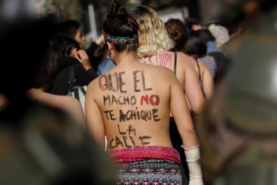 """""""Son como las de ustedes, pero censuradas"""": ex Feuc desafía a Twitter con foto de """"tetas al descubierto"""""""
