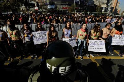 FOTOS | Veinte postales que dejó la tercera marcha feminista en Santiago