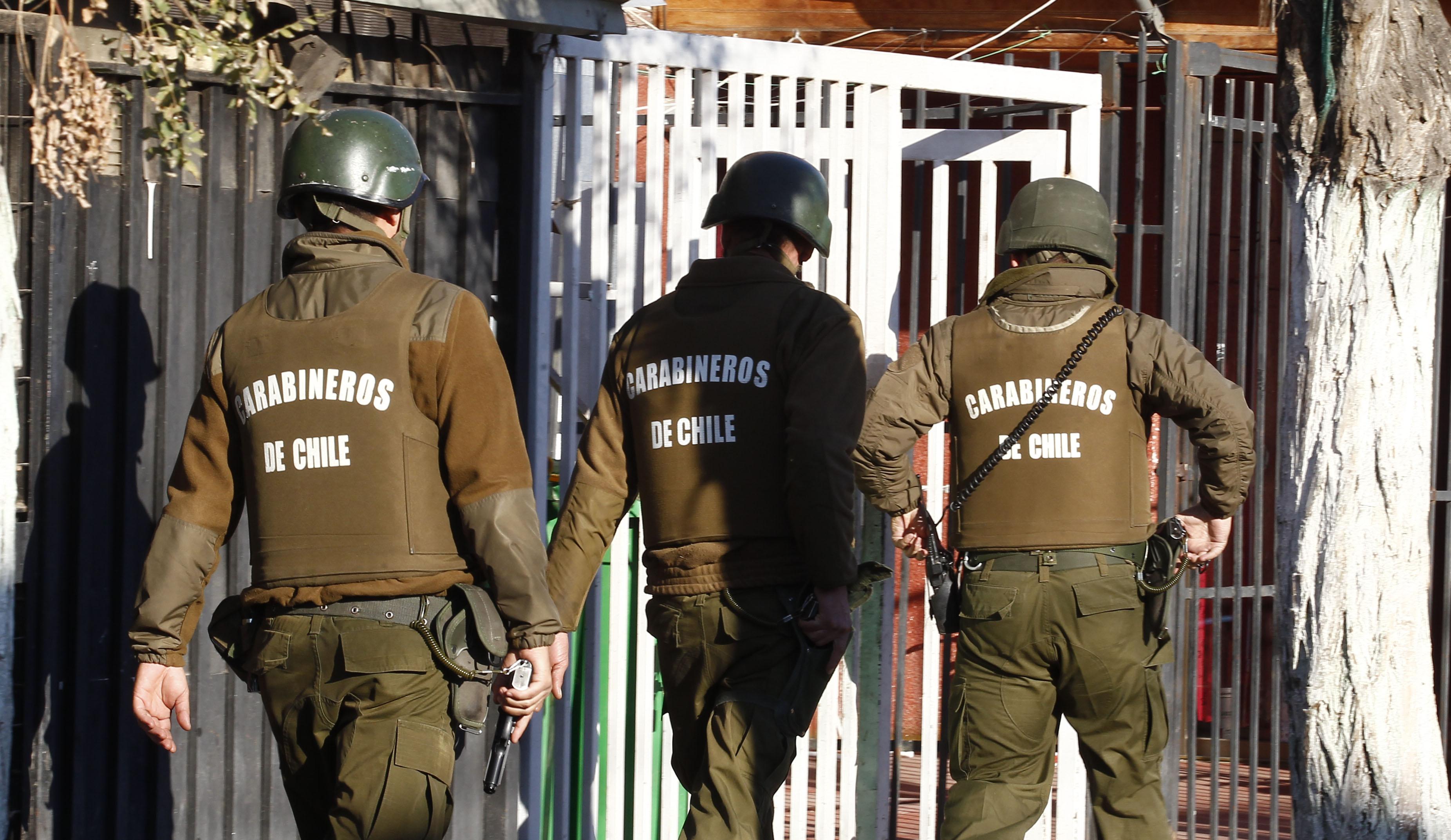 """""""Detienen a dos personas que estarían involucradas en muerte de carabinero en La Pintana"""""""