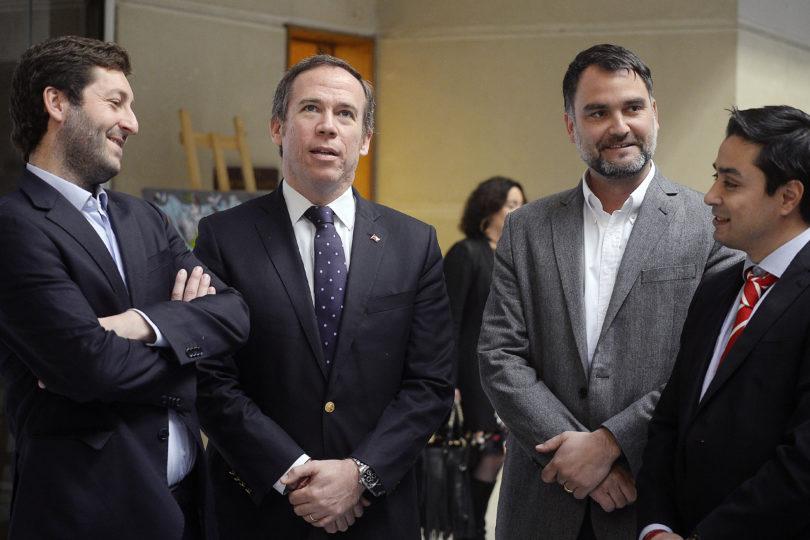 """Diputados UDI piden que beneficios Valech se extiendan a viudas de carabineros: """"Es un acto de justicia"""""""