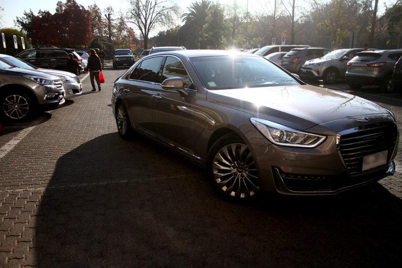 El lujoso auto que Presidencia recibió en comodato para superar la polémica del Lexus