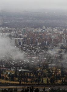 Multas por usar calefacción a leña en Santiago superan las de todo 2017