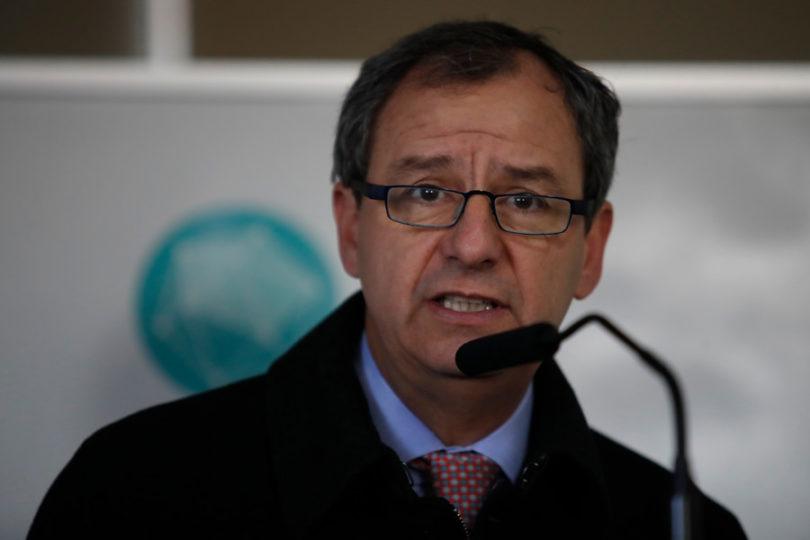 """Ministro Varela: """"Chile necesita una educación que forme a la columna vertebral de su industria, los técnicos"""""""