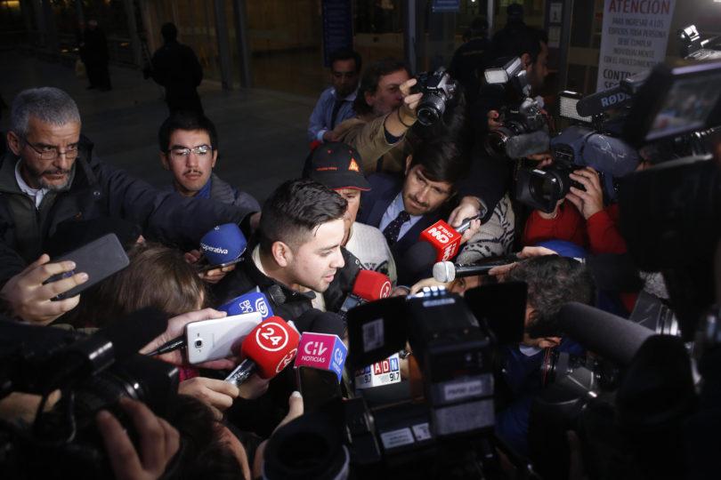 Fiscalía investigará a conductor de Uber y a carabinero que disparó en Aeropuerto de Santiago