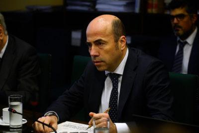 """Contralor y 'bajo sueldo' de Hermes Soto: """"Mi pensión será un tercio de la que él reciba"""""""