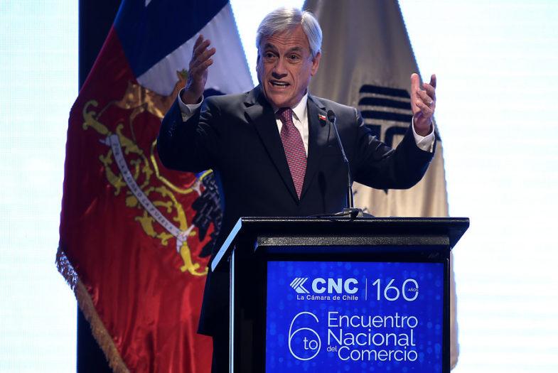 """Piñera defiende impuesto a Netflix, Uber y Spotify: """"Vamos a nivelar la cancha para el comercio electrónico"""""""