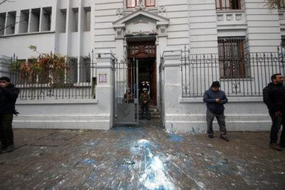 """Alessandri apunta a """"intento de amedrentamiento"""" a nuevo rector del Liceo de Aplicación tras incidentes"""