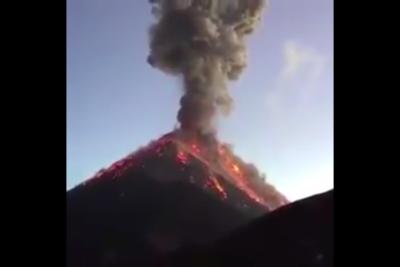 VIDEOS| Impactantes registros de la agresiva erupción del Volcán de Fuego en Guatemala