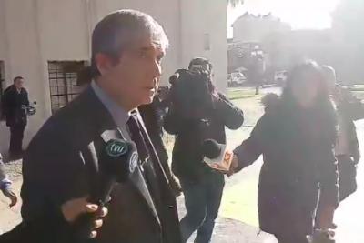 VIDEO | El momento exacto en que rector de la U. de Concepción encara a encapuchados en plena manifestación