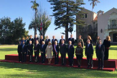 FOTO | Piñera posó junto a su gabinete para la fotografía oficial en Cerro Castillo