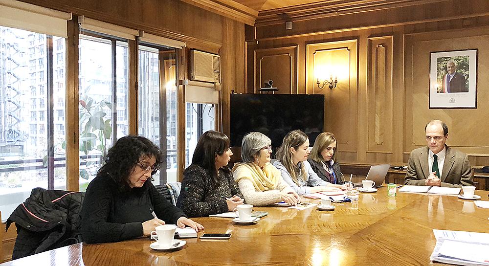 """""""Vecinos de Hualpén se reúnen con Ministro de Vivienda para acelerar procesos de relocalización"""""""