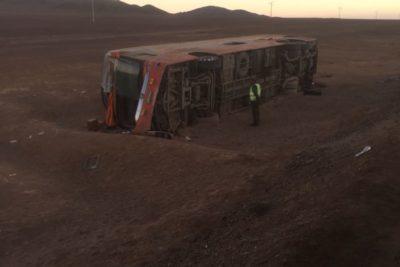 Fatal accidente en la Ruta 5 Norte: volcamiento de bus dejó un muerto y 24 heridos