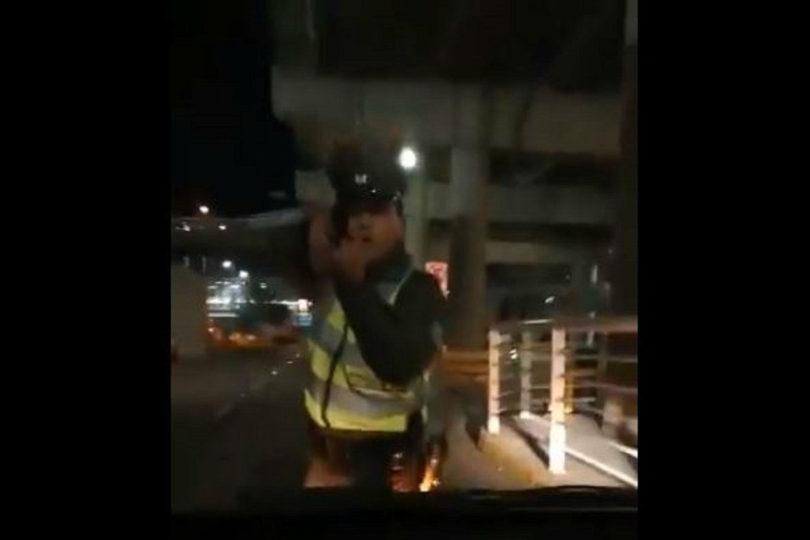 VIDEO |Carabinero disparó a conductor de Uber que quiso eludir control policial