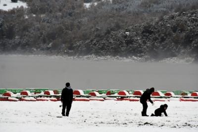 FOTOS   La inusual nevada en el lago Caburgua en Pucón