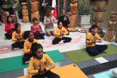 Diputadas celebran Día Internacional del Yoga