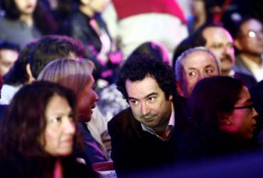 Cuánto gana y qué hace Rafael Gumucio, el nuevo fichaje del Gobierno de Piñera