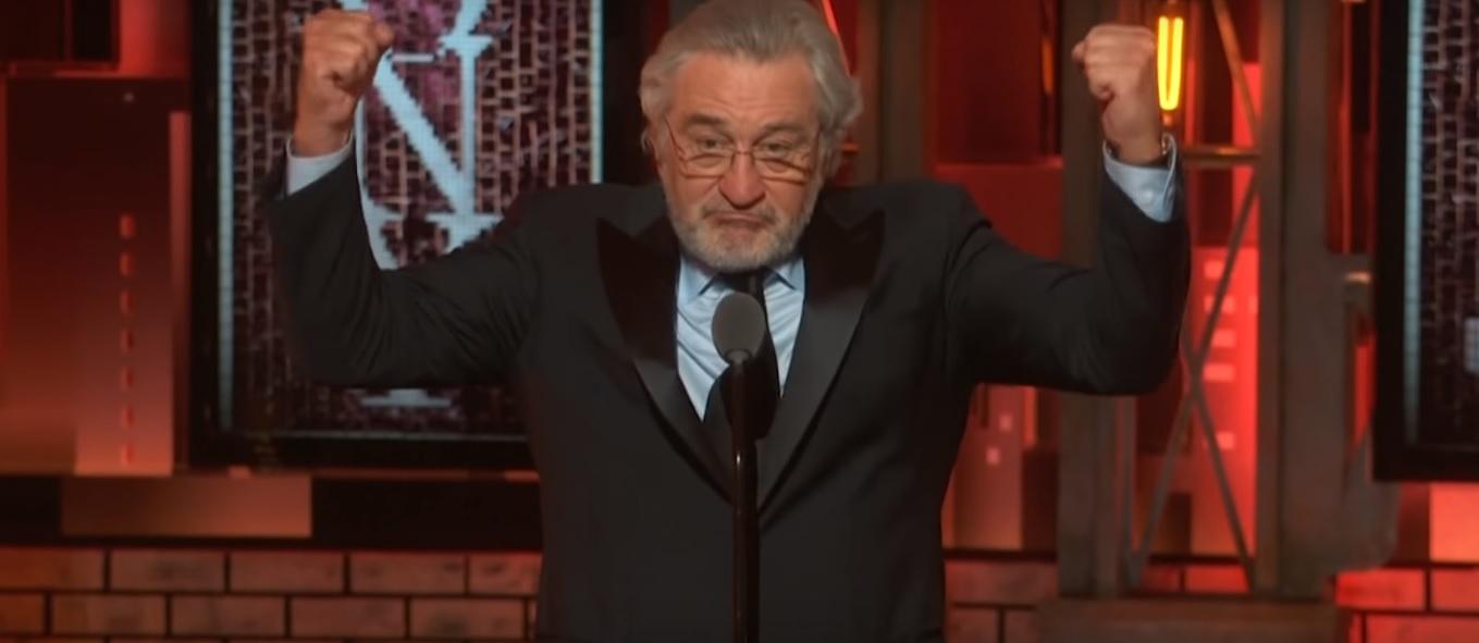 """""""VIDEO   Robert de Niro en el escenario de los Premios Tony:"""