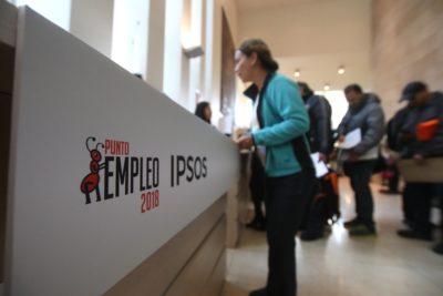 Cargos y rentas disponibles en la feria de trabajo de la Municipalidad de Providencia y Universidad Autónoma