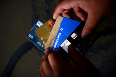 Los bancos afectados por el hackeo que afectó a 14 mil clientes de tarjetas de crédito