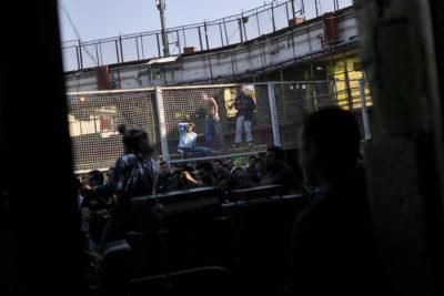 Centro de Detención Preventiva Santiago Sur en alerta por brote de meningitis: se suspendió traslado de reos