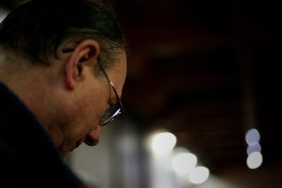 Perfil político de Luis Infanti: el obispo criticado por abusos en Aysén que no renunció ante el Papa