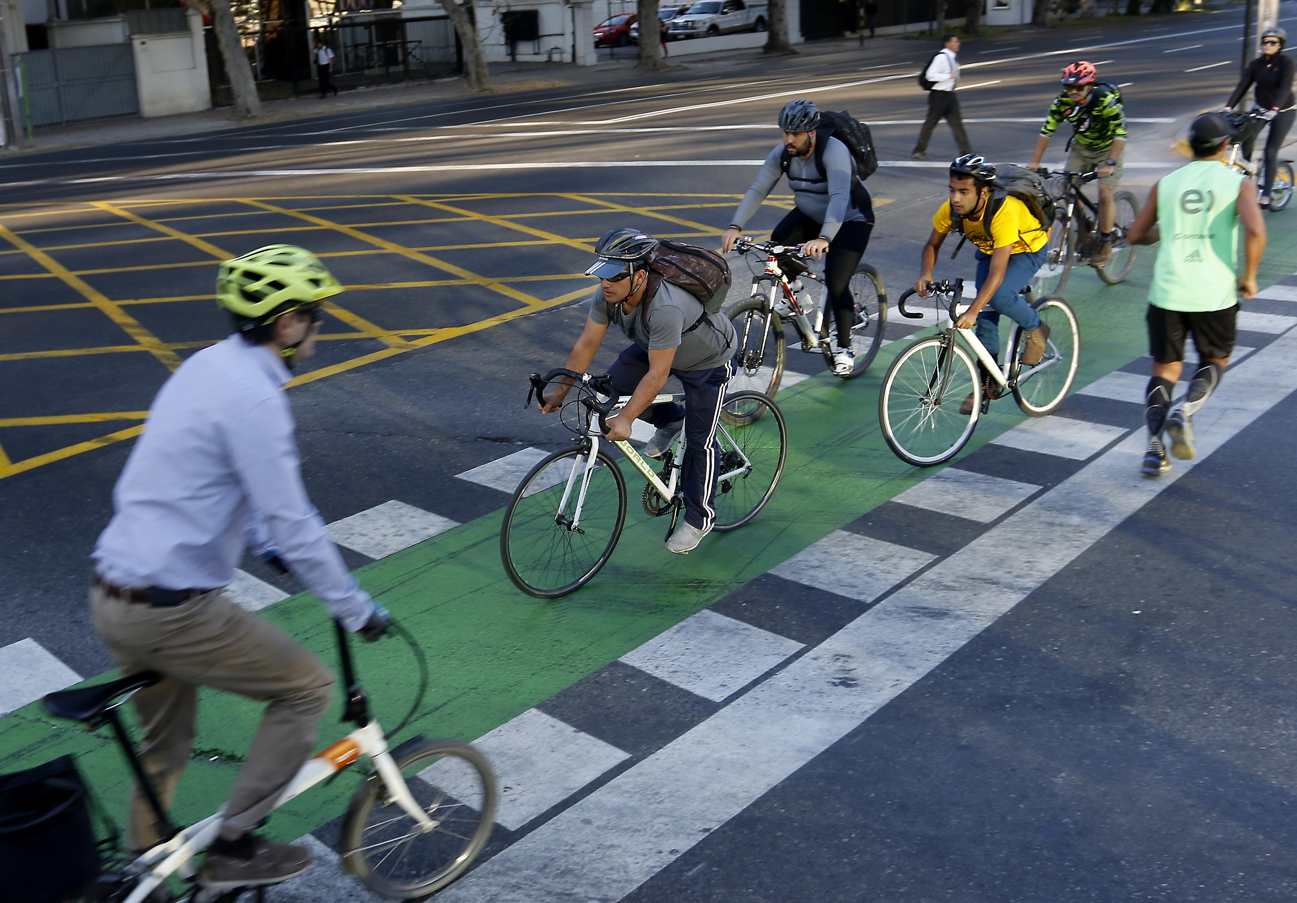 Ciclovías alcanzan 346 kilómetros de extensión en la Región Metropolitana