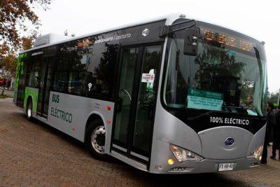 Ministerio de Transportes: licitación del Transantiago incluirá buses eléctricos