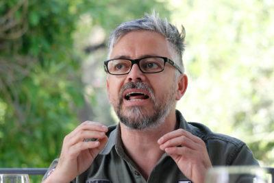 """Jorge Baradit explicó porqué borró todos sus mensajes: """"Me aburrí de que hagan circular tuits tergiversados"""""""