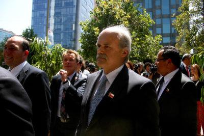 Gobierno acepta renuncias de intendentes de Magallanes y Atacama