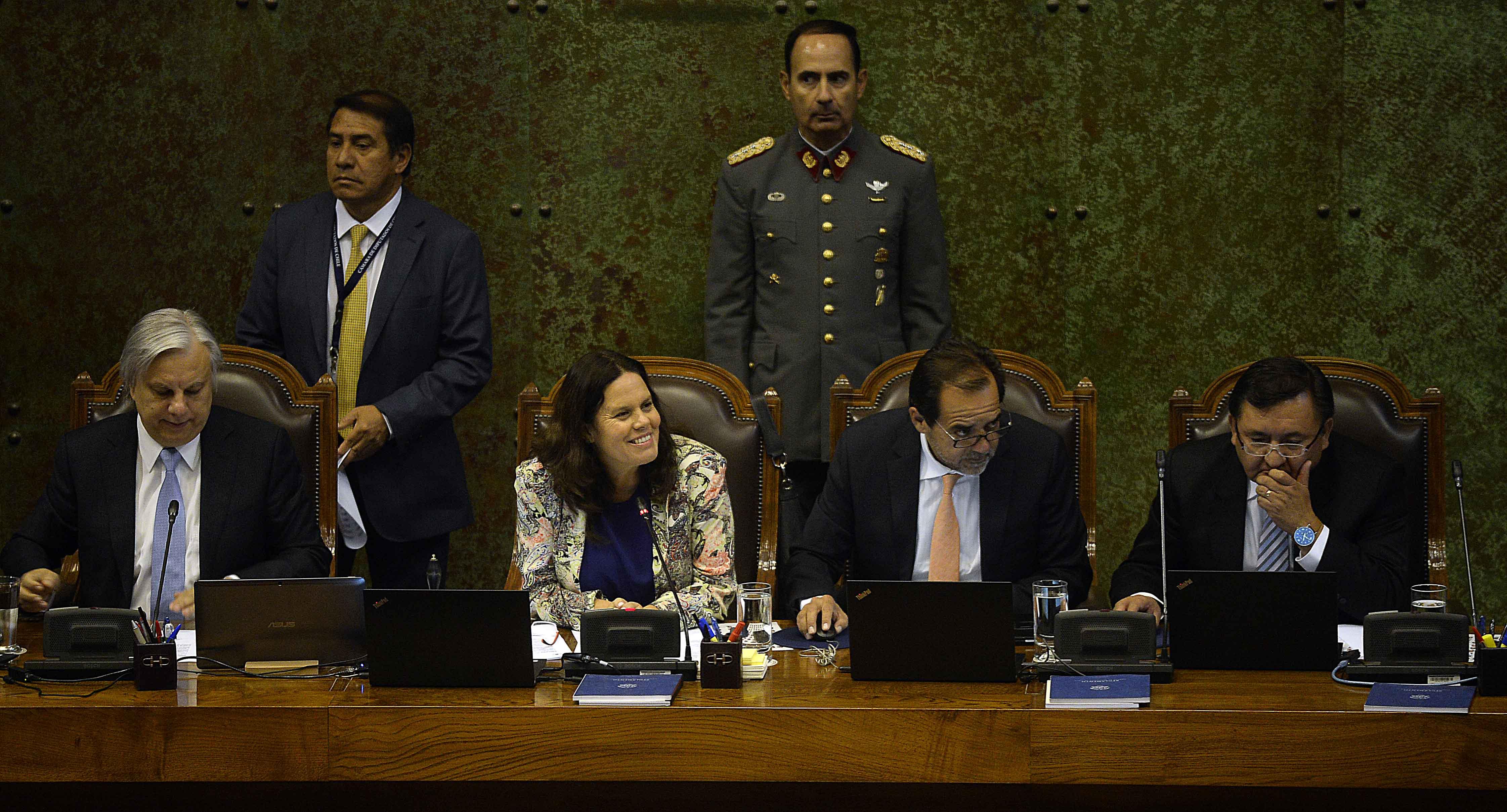 Piñera y mesa de la Cámara fijan cita tras serie de desencuentros