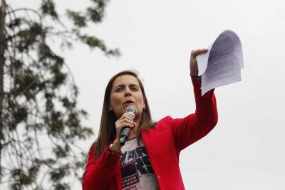 """AUDIO  """"El ministro del Interior no apareció a primera hora"""": incendiaria editorial de Natalia Valdebenito por ataque en marcha pro aborto"""