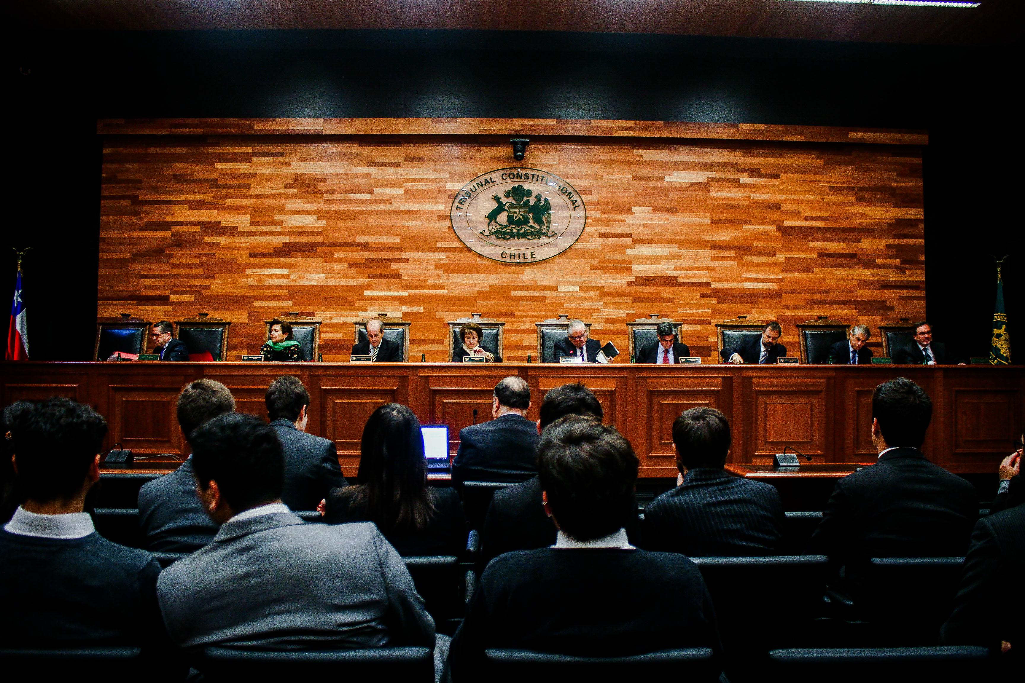 """La pugna por """"secreto estadístico"""" que enfrenta al INE y el Consejo para la Transparencia en el Tribunal Constitucional"""