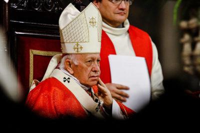 Laicos de Osorno exigen la salida del arzobispo Ezzati