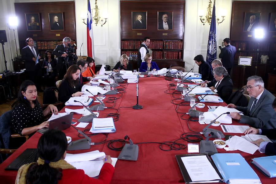 Comisión aprueba que adolescentes accedan a cambio de sexo registral en Tribunales de Familia