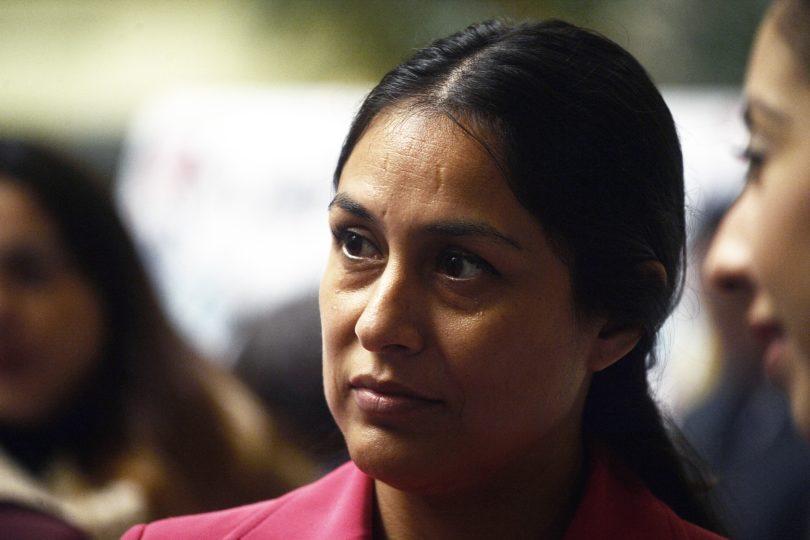 """Diputada Muñoz (RN) acusa ideologización a menores: """"A las niñas les piden que lleven camiones y a los varones usar peluca"""""""
