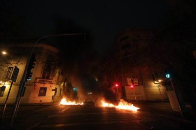 """""""Queremos estudiar"""": estudiantes de Universidad Iberoamericana protestaron con barricadas"""