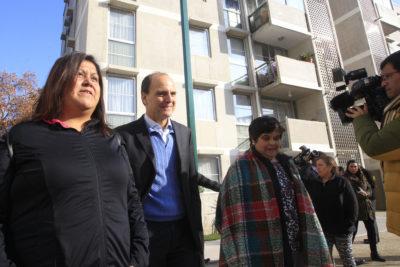 Viviendas sociales en Las Condes: ministro Monckeberg critica a Kast por tildar a Lavín de populista