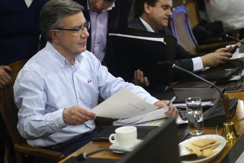 Los consejos de Joaquín Lavín a los polémicos ministros Varela y Valente