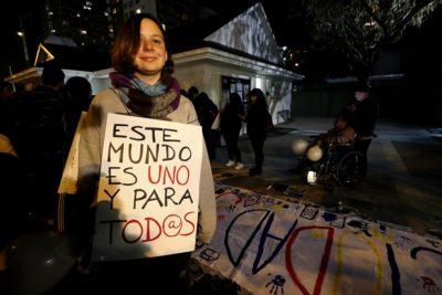 FOTOS | Manifestación en favor de viviendas sociales en Rotonda Atenas