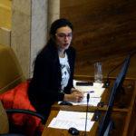 """""""Vergonzoso"""": Camila Vallejo y su tuit directo a La Moneda para demostrar que hay """"sequía legislativa"""""""