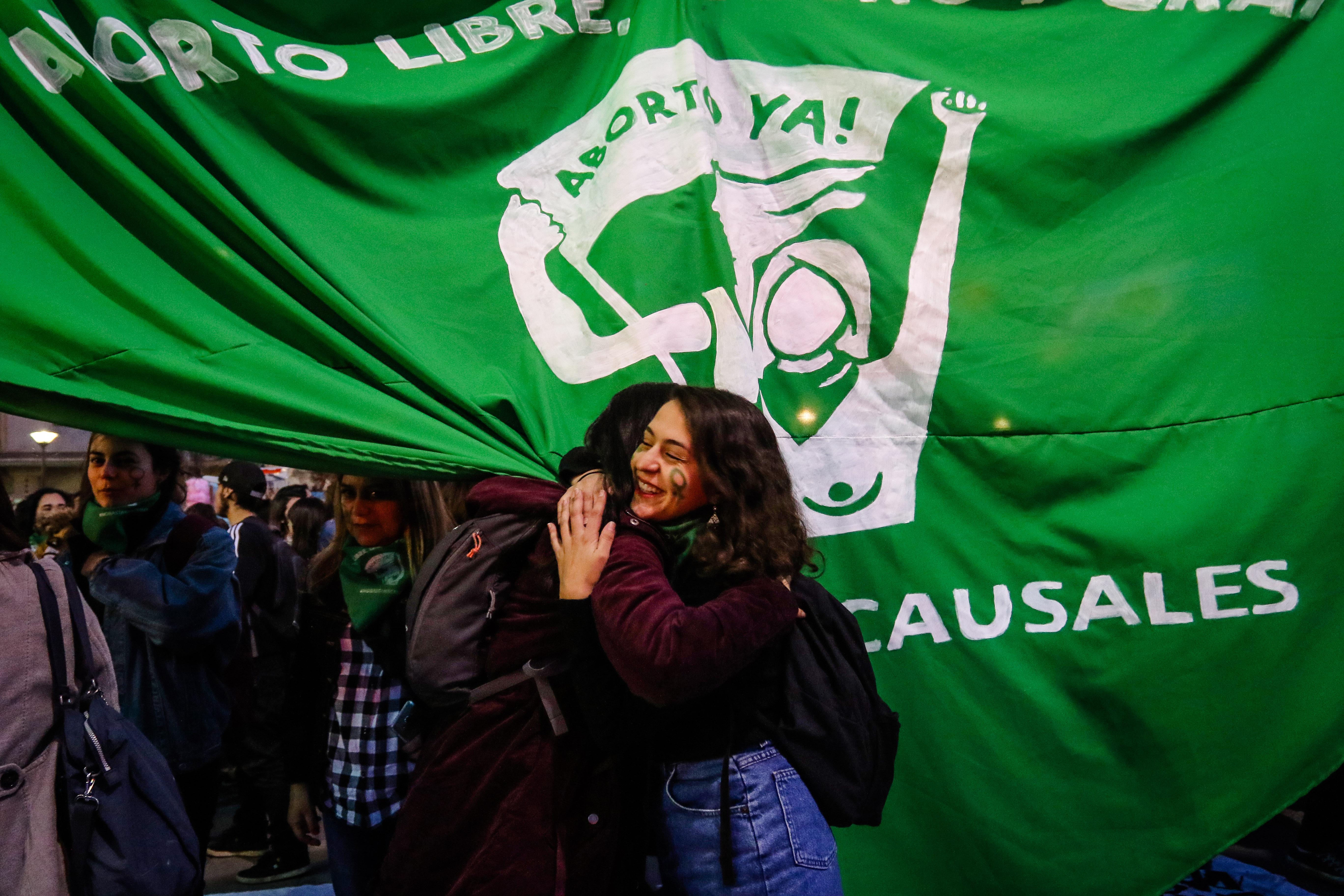 Gobierno interpone querella por incidentes en marcha a favor del aborto libre