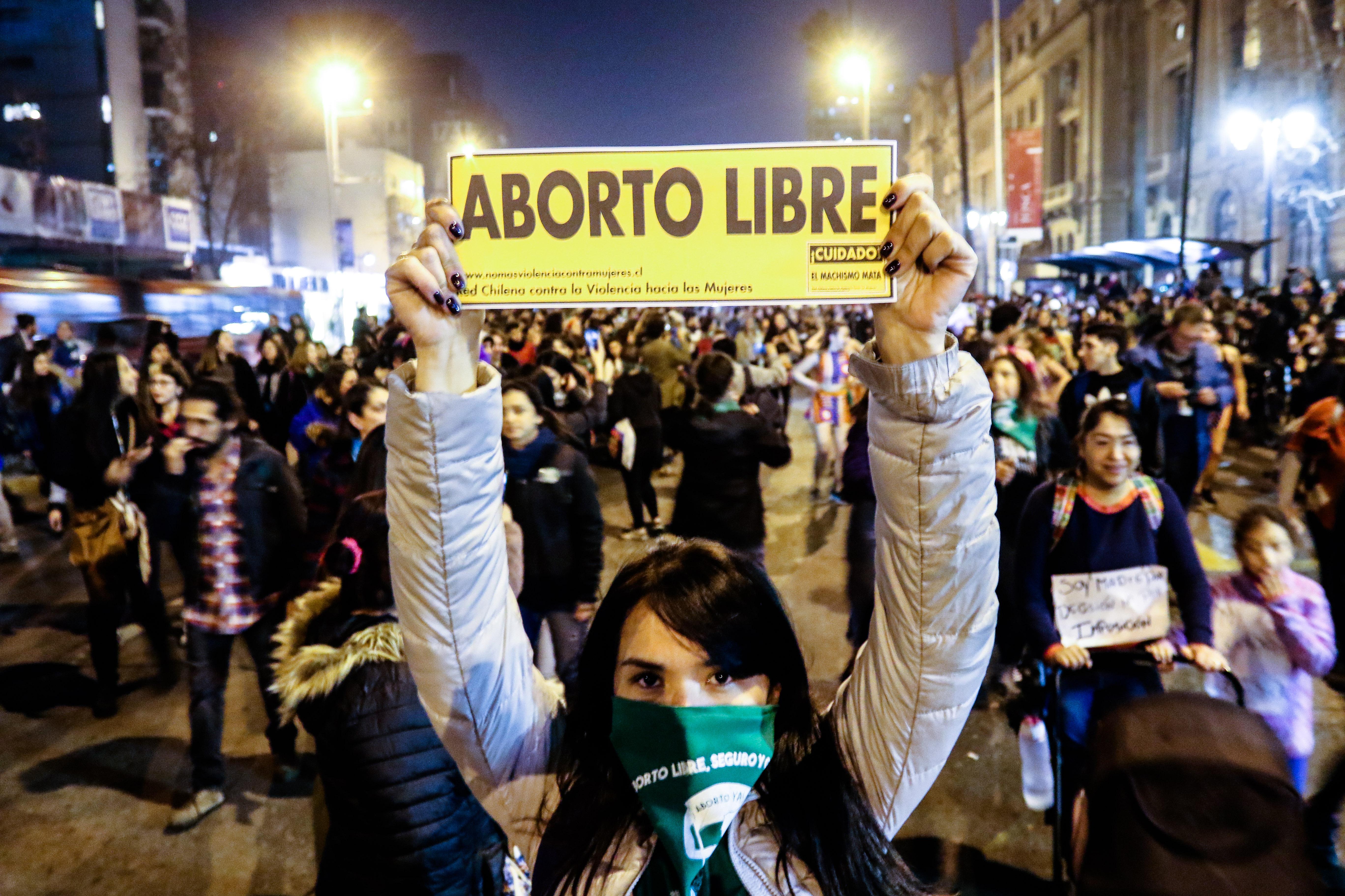 """""""Senadores presentarán proyecto para autorizar aborto libre hasta las 14 semanas de gestación"""""""