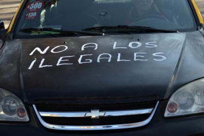 """Taxistas protestan por ley Uber y acusan """"improvisación"""" del Ministerio de Transporte"""