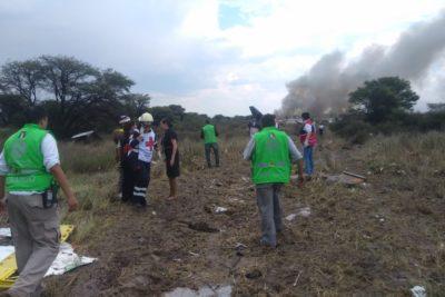 VIDEO | Avión con más de 90 pasajeros se estrella en México: no hay víctimas fatales