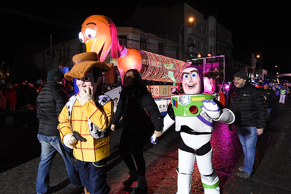 """""""Punta Arenas corona a los ganadores de su Carnaval de Invierno"""""""