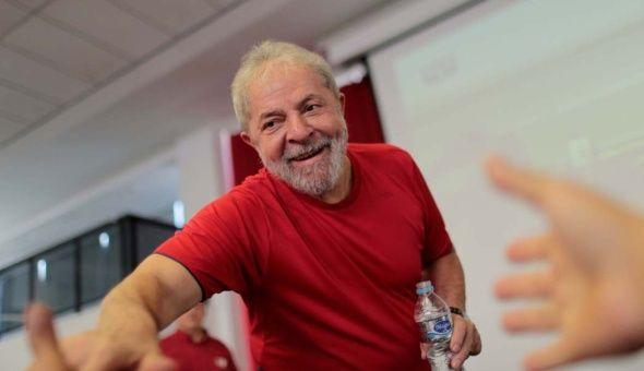 Desde Isabel Allende a Raúl Zurita: publican nueva carta de apoyo a Lula Da Silva