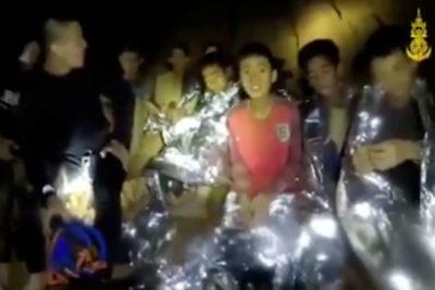 Último buzo en salir de la cueva de Tailandia relata minutos críticos antes de terminar el rescate