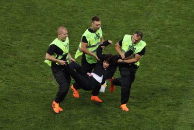 Banda punk Pussy Riot se adjudicó invasión de cancha en la final del Mundial